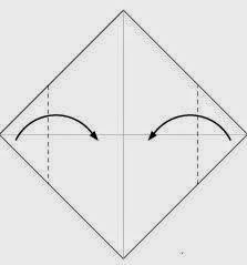 Bước 2: Gấp hai góc của tờ giấy vào phía trong.