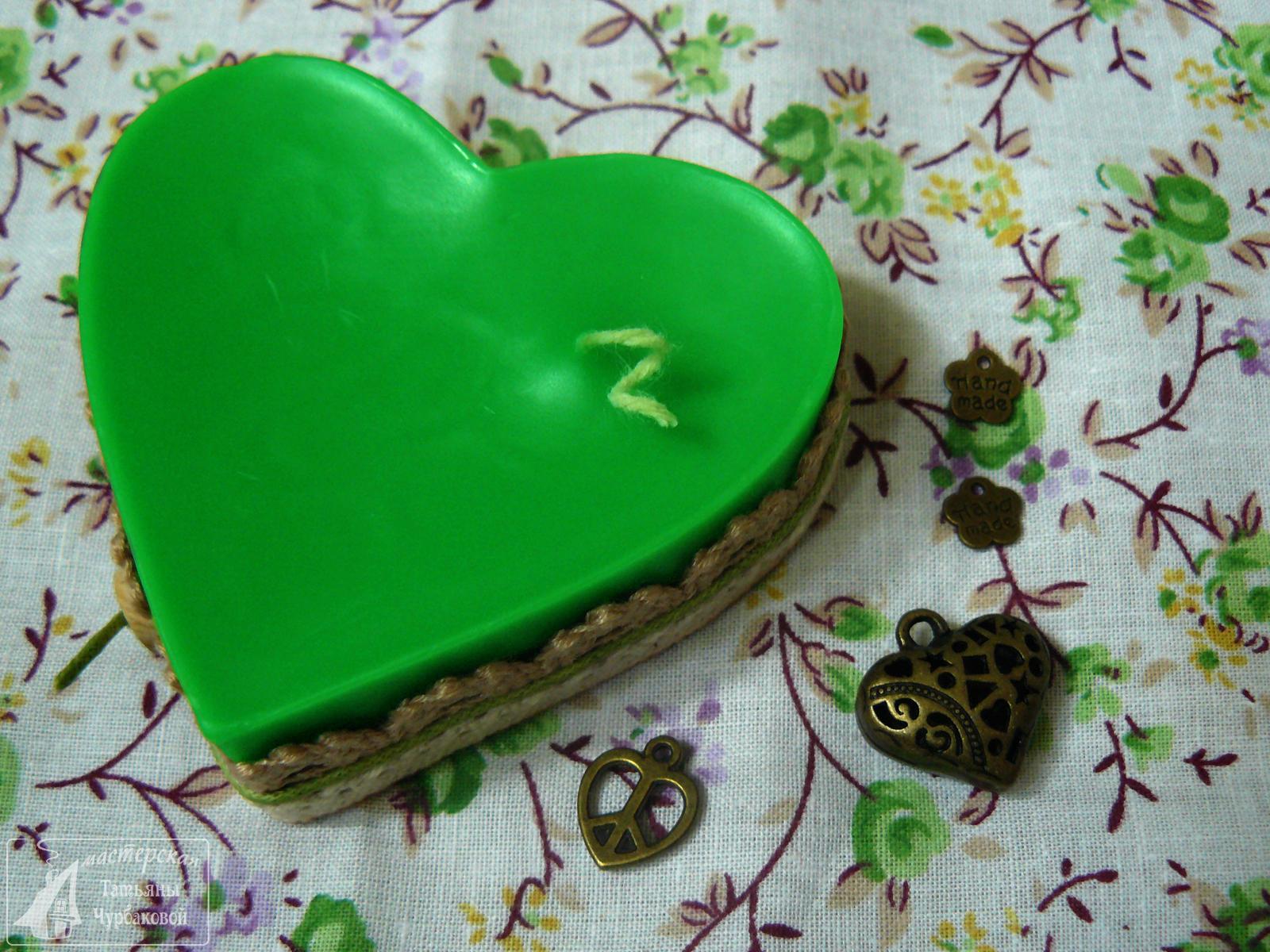 свеча в форме сердца