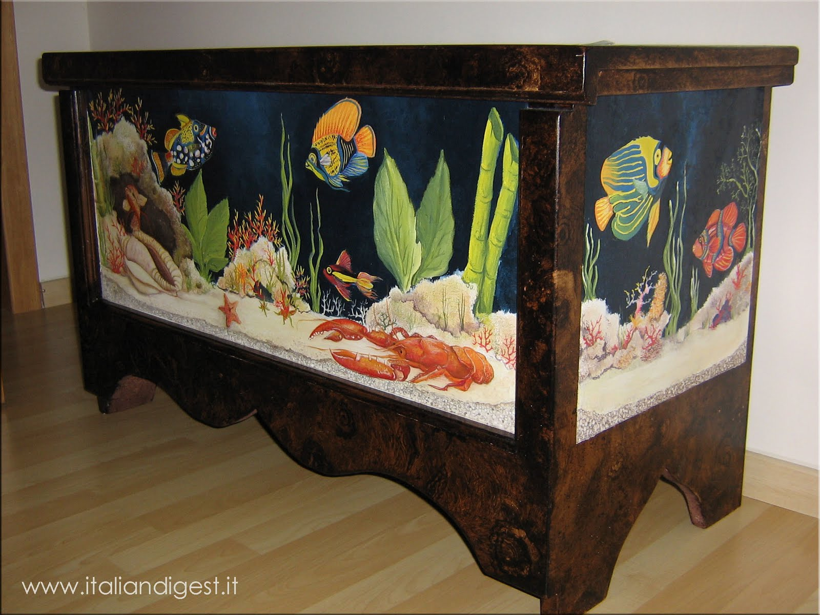 Mobile decorato con acquario arte ivan donato - Acquario mobile ...