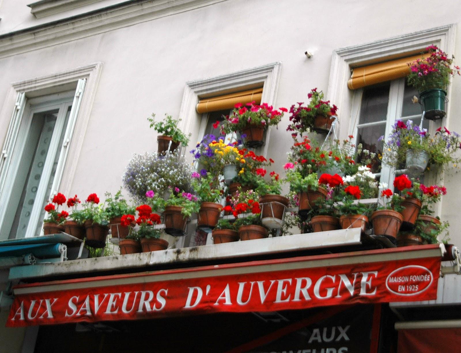 paris and beyond aux saveurs d 39 auvergne des fleurs. Black Bedroom Furniture Sets. Home Design Ideas