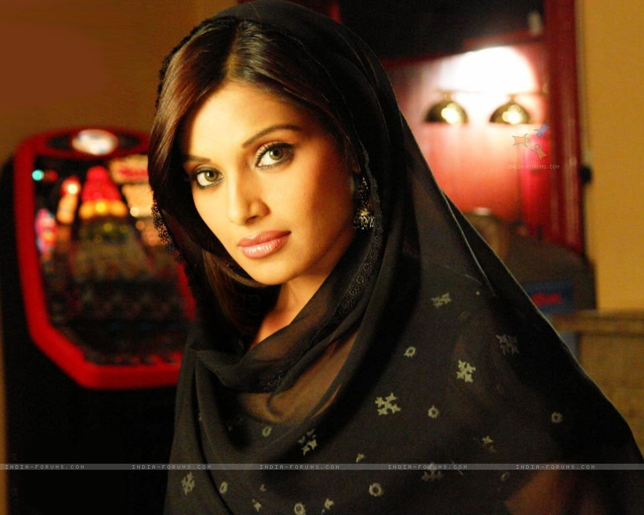 Bipasha basu wallpaper, images for bipasha basu - HD Wallpapers