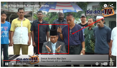 Aksi Dukun Malaysia Usir Kabut Asap Dari Indonesia