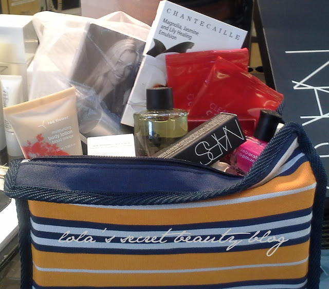 lola's secret beauty blog: Barneys Love Yourself Gift Bag Reveal: A Little Glimpse at the Actual Bag!