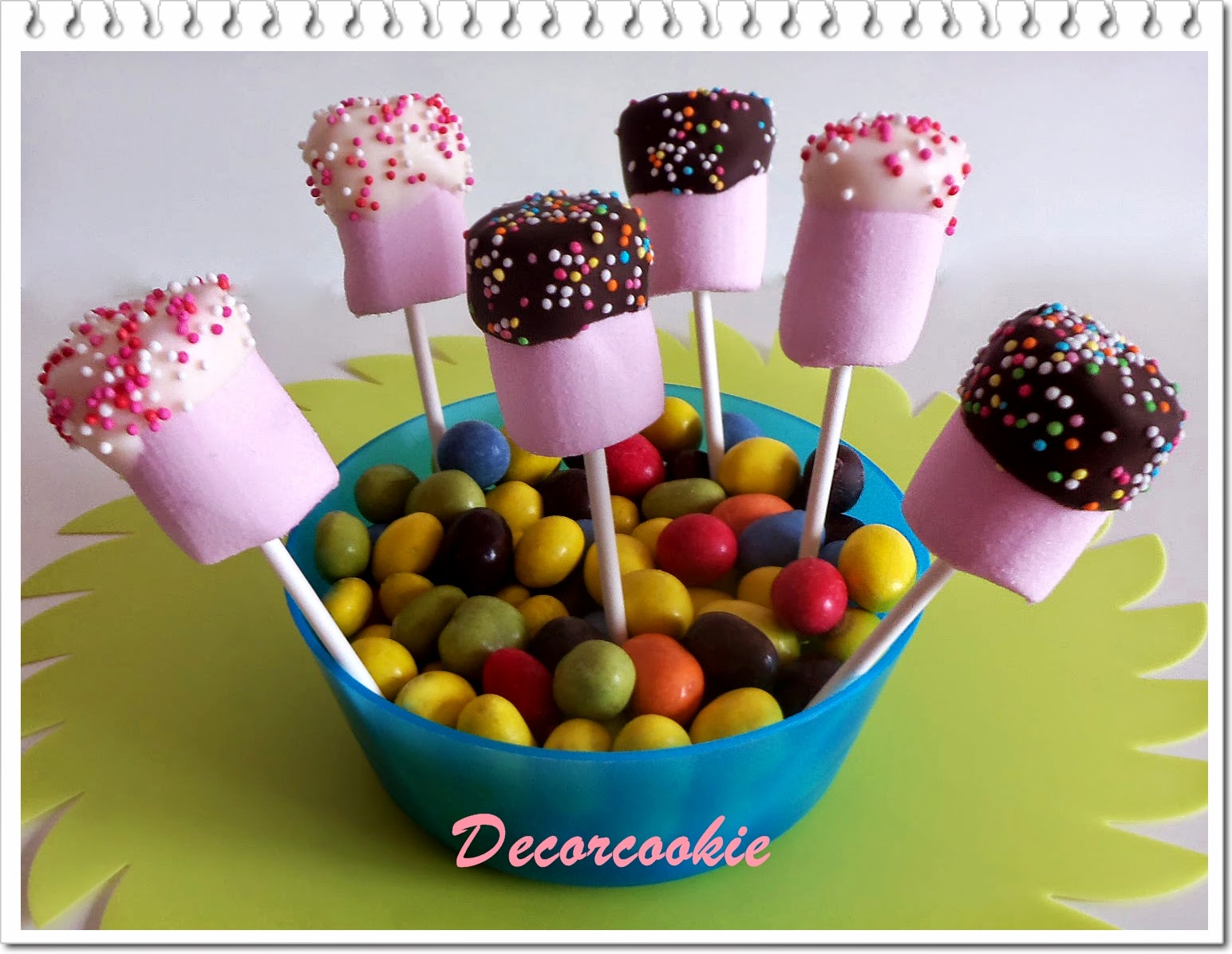 Galletas decoradas decorcookie especial comuniones i for Ideas para mesas dulces