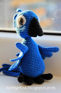 Crochet parrot Blu from RIO