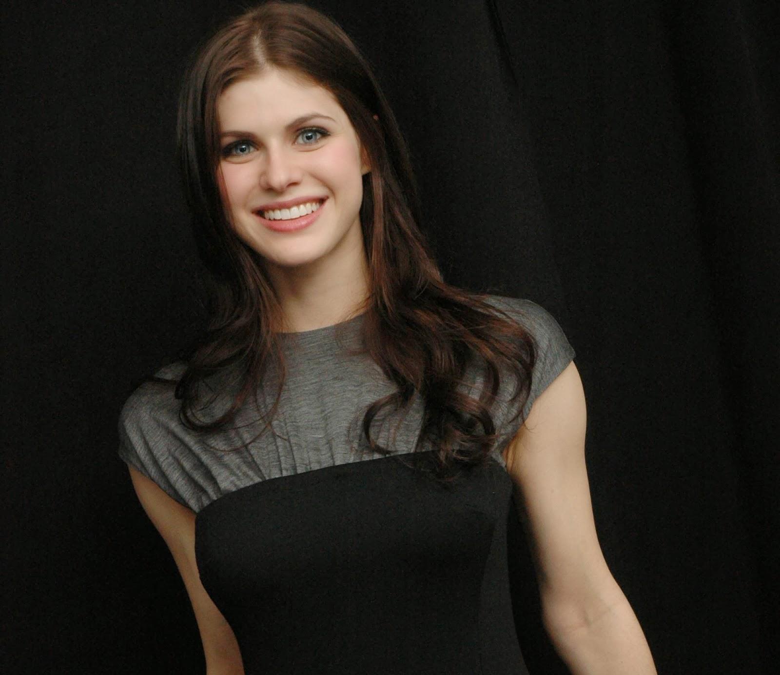 hollywood actress wallpaper: alexandra daddario hd wallpapers