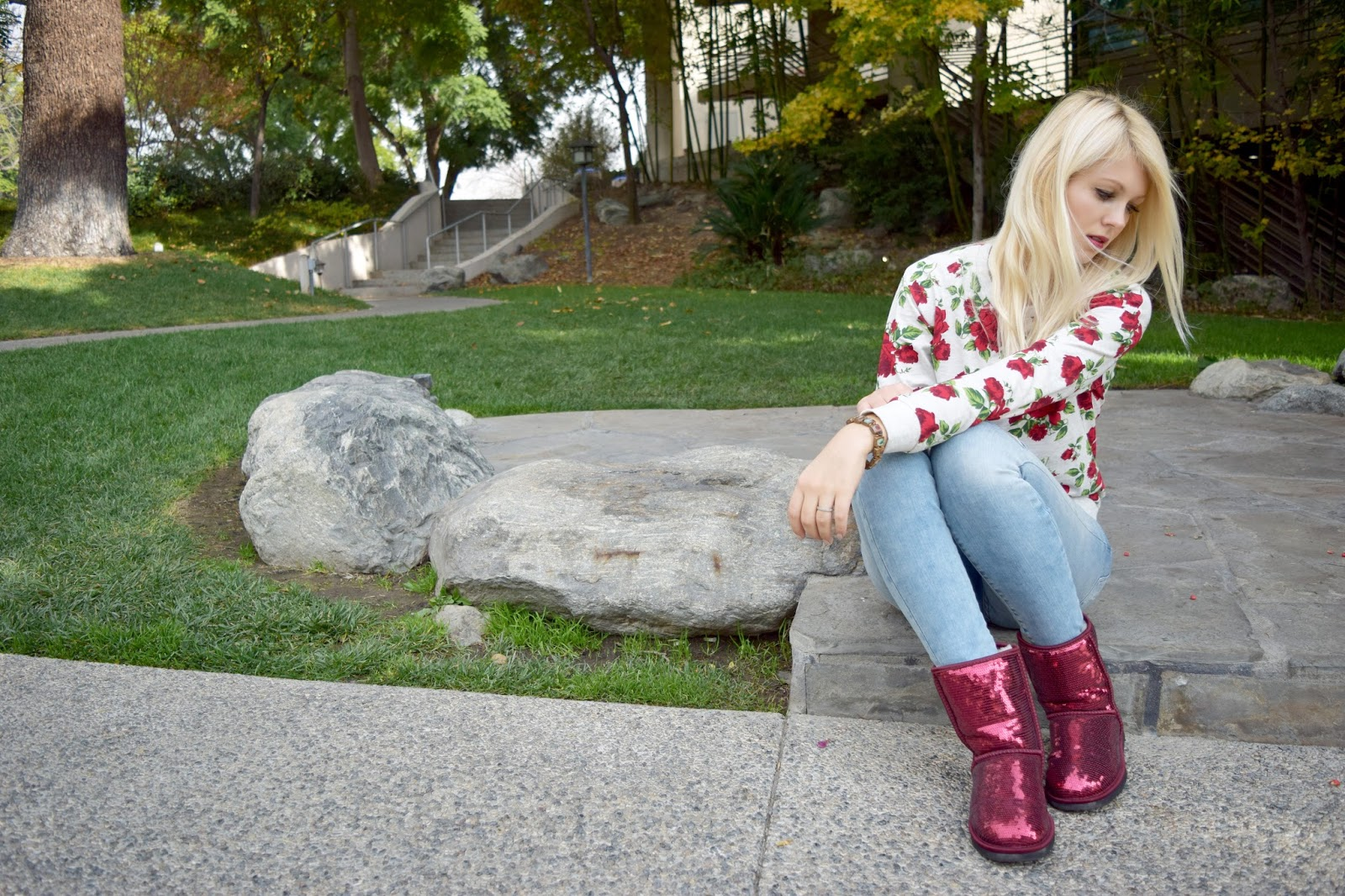 Rose sweater, red ugg, sparkle ugg, ugg, rose, h&m sweater