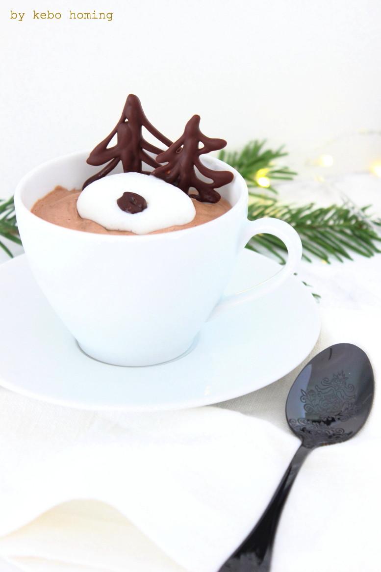 Eine einfache und gelingsichere Kaffeemousse samt Rezept gibt es auf kebo homing, dem Südtiroler Food- und Lifestyleblog, das perfekte Dessert für Weihnachten, Foodstyling und Photography