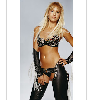 Jessica Alba hot black leather chaps thong belt bra blonde Sin City promo foto