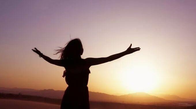 Se formos livres por dentro, nada nos aprisionará por fora.❤😉🍃
