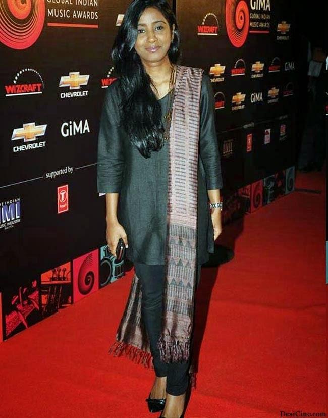 20+Hot+Female+Singers+Of+Bollywood008