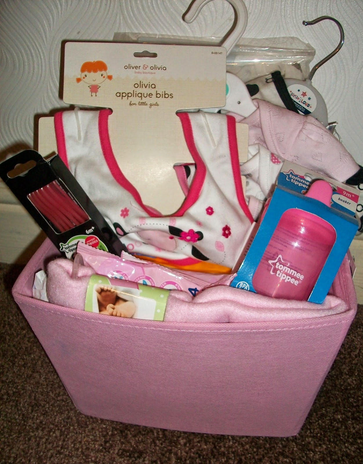 Baby Shower Gift List Ideas Uk : Zoe lianne beauty and lifestyle putting together a
