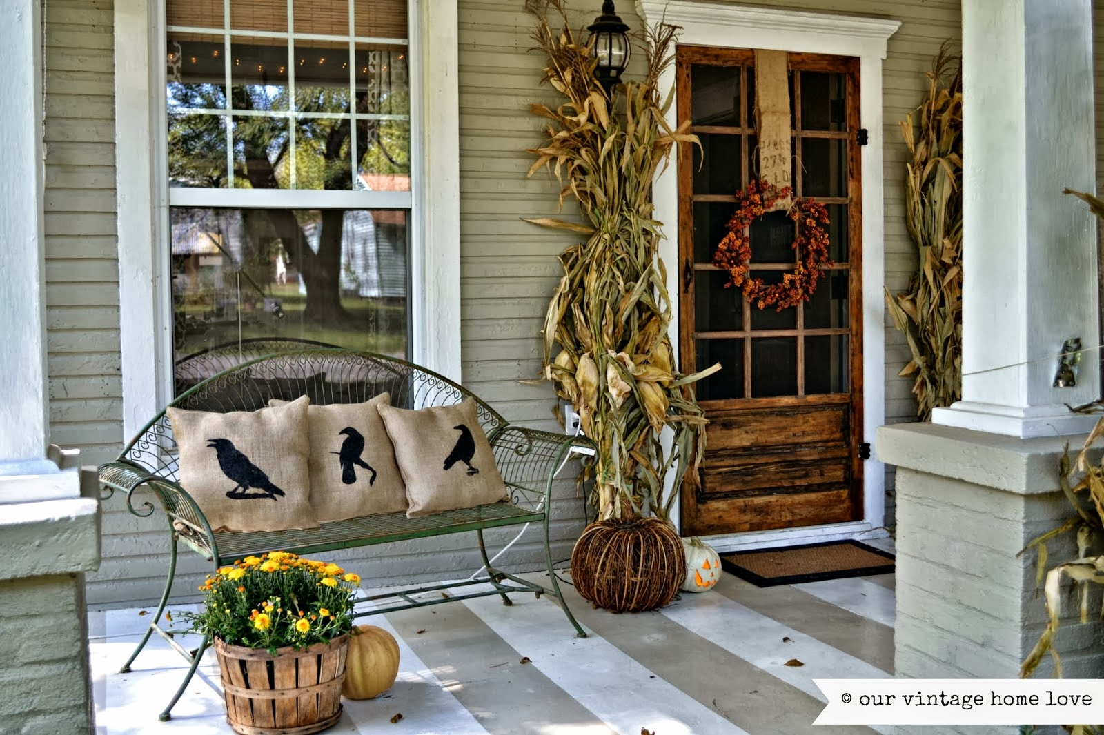 Antique homes and lifestyle fall porch decorating ideas Small front porch decorating ideas for fall