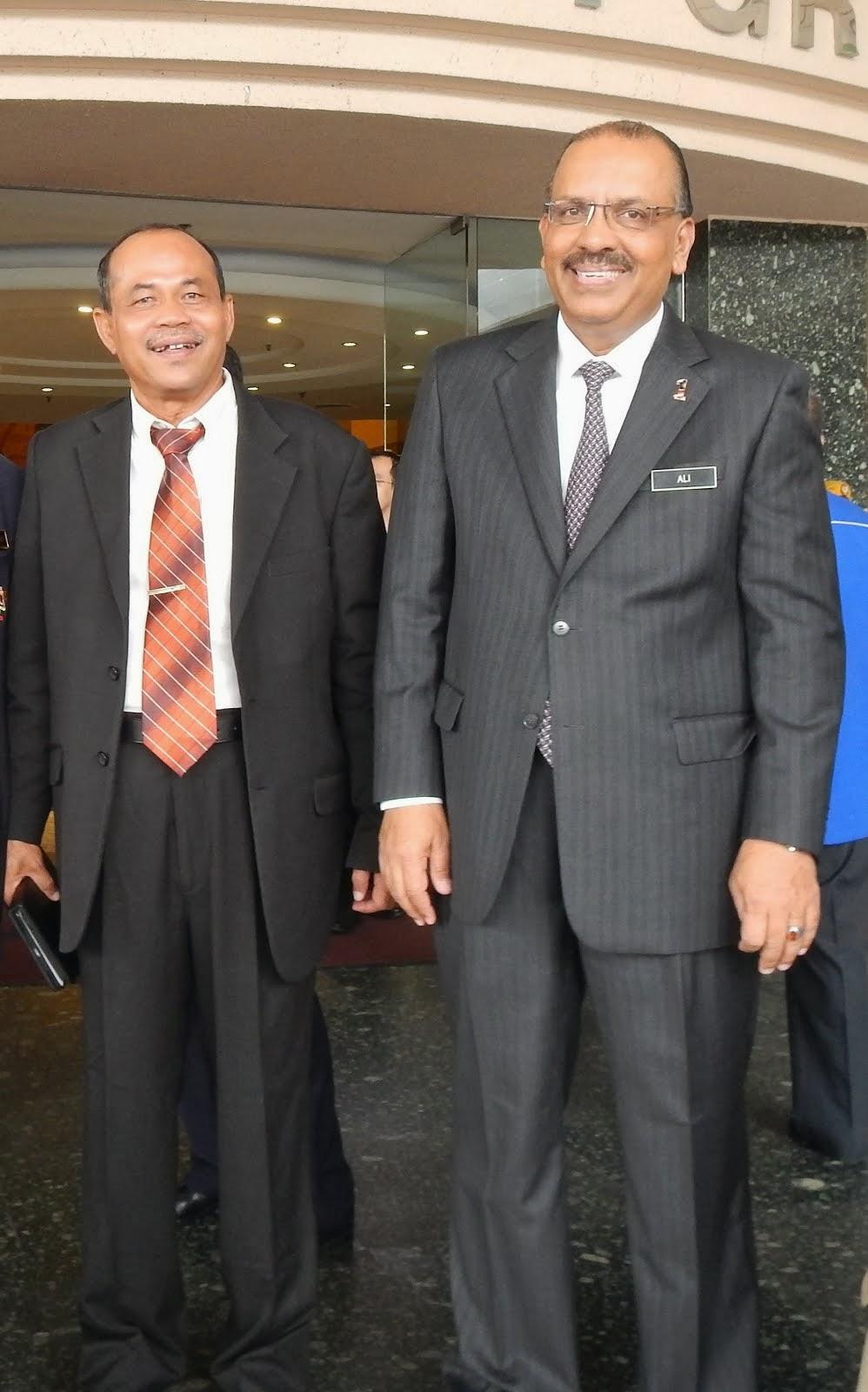 Y.B. Tan Sri Dr. Ali bin Hamza Ketua Setiausaha Negara 17/12/2013