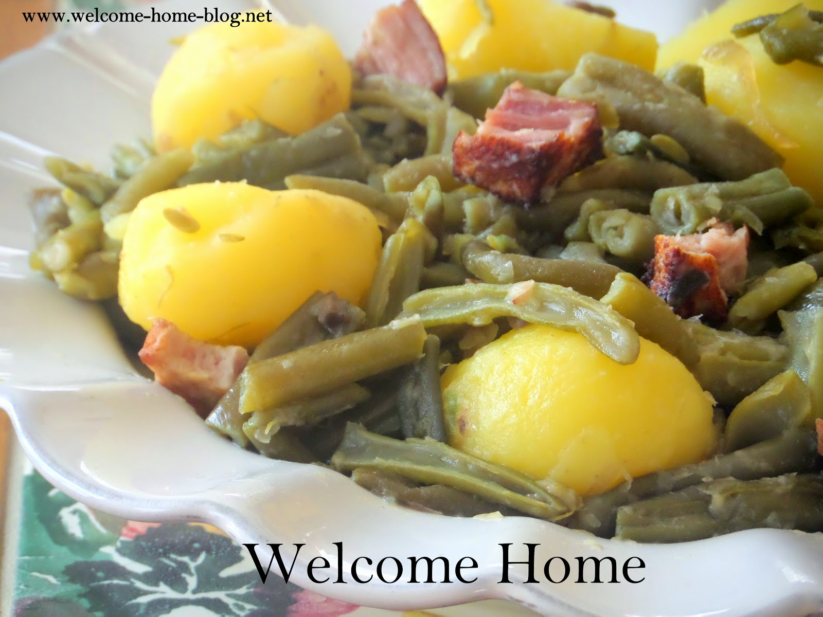 Welcome home blog southern green beans and ham since were talking about my southern roots today and about good old country cookings another great recipe i grew up on my mom used to come in from forumfinder Images