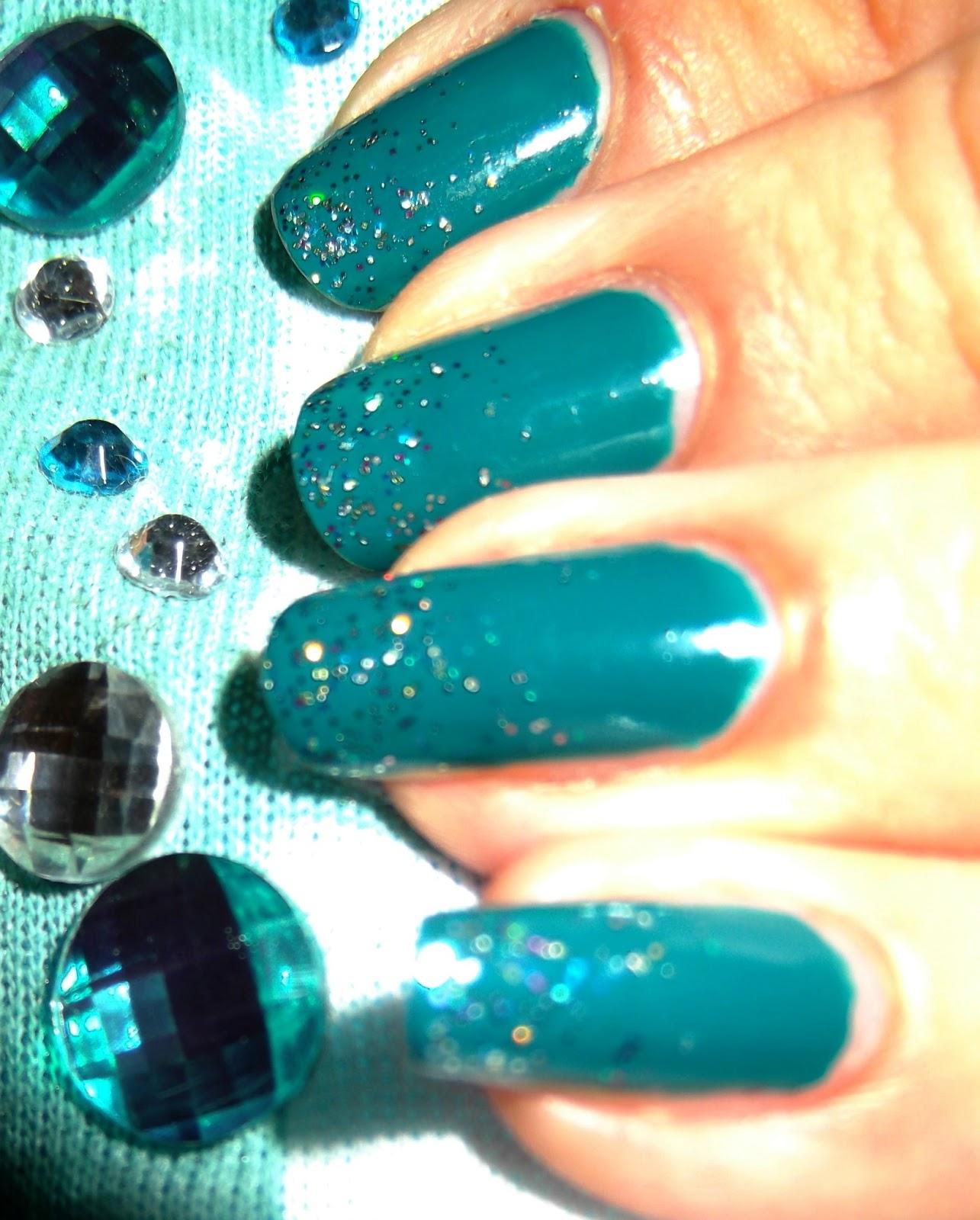 Nail Ideas: Emerald fantasy nails