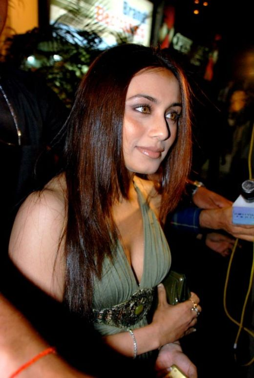 rani mukherjee hot. Rani Mukherjee Hot Sexy