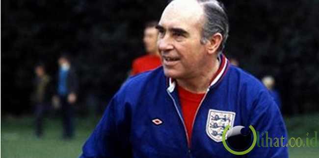4. Sir Alf Ramsey - Inggris
