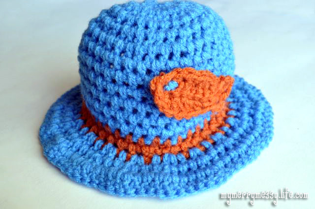 Free Crochet Newborn Sun Hat Pattern : Crochet Gone Fishin Baby Sun Hat with Goldfish {free ...