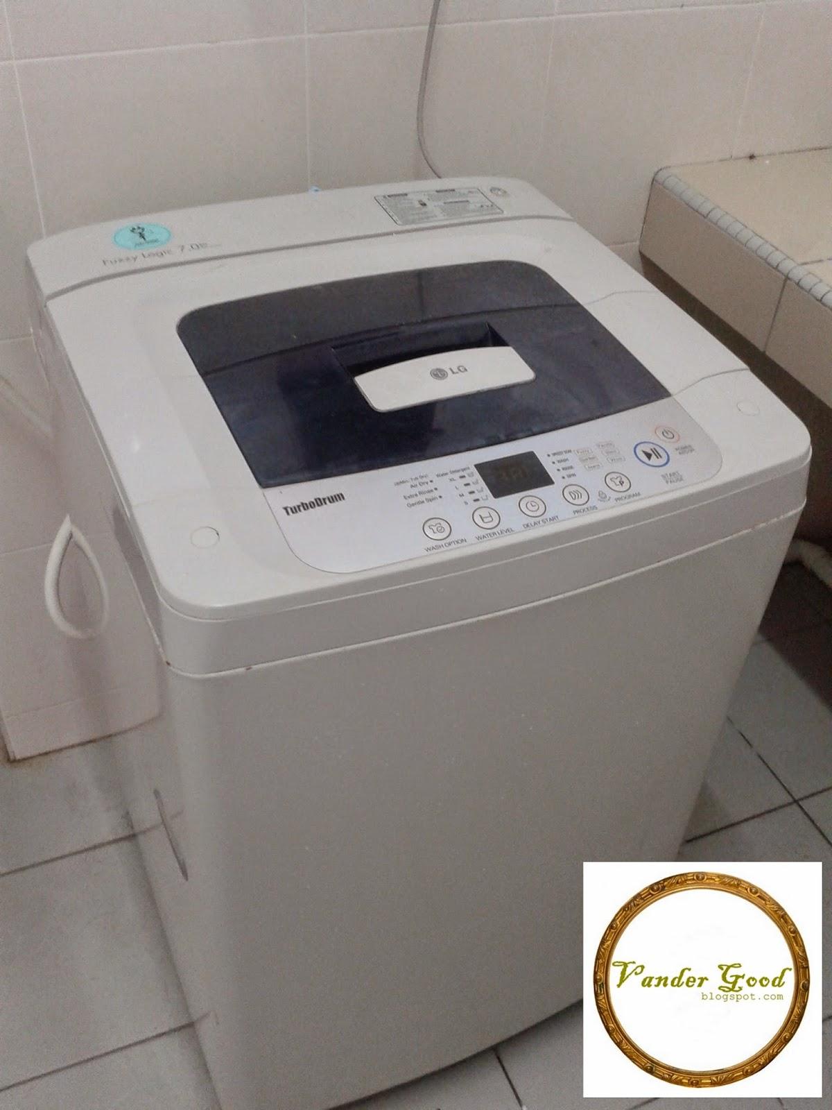 Mesin basuh di hostel