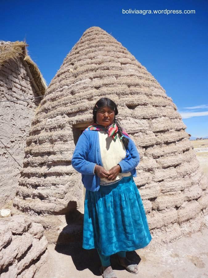 Mujer del pueblo uru-chipaya y putucu