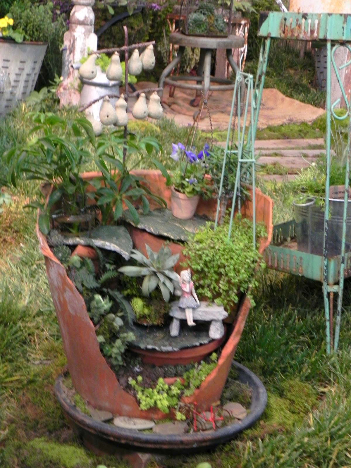 Gone walkabout 2 spring garden show ideas for Garden pots designs