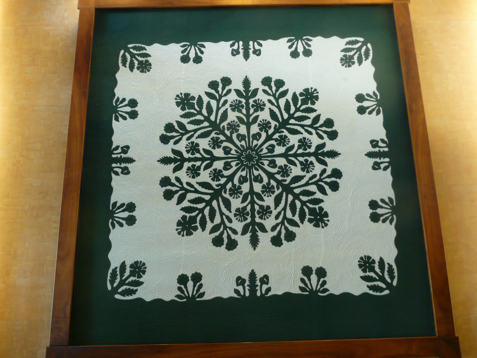 hawaiian quilt hometalk wall inspired covering