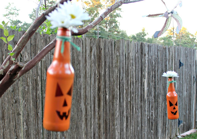 pumpkins, Halloween, Halloween DIY, Outdoor Halloween Decorations, Fall Decorations, pumpkin bottles