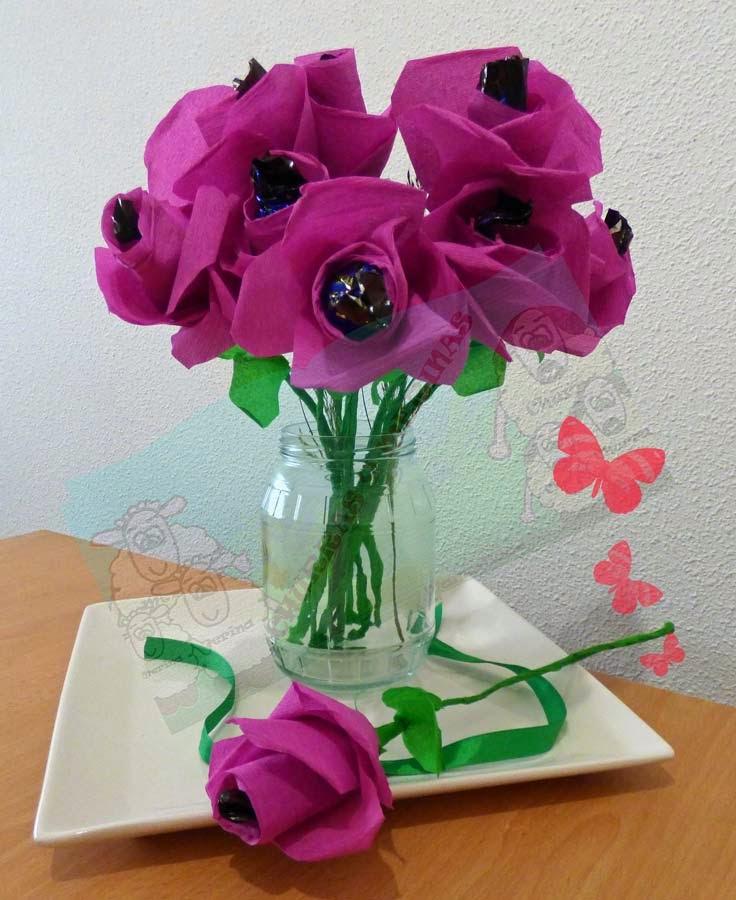 Imagenes de flores hechas con papel crepe for Manualidades con papel crepe