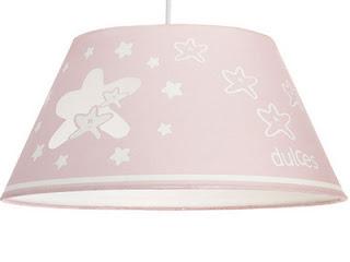 lampara rosada con estrellas blancas