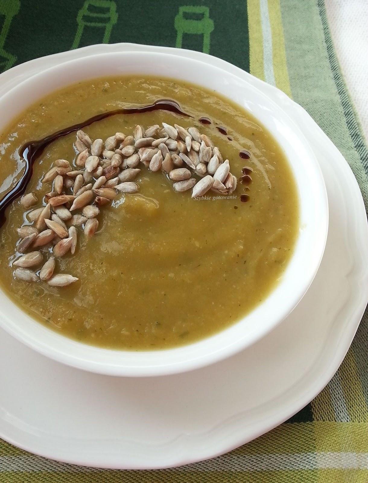 Sycąca zupa krem warzywna z ciecierzycą