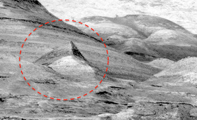 Large Pyramid Structure Found On Mars 2015, UFO Sightings