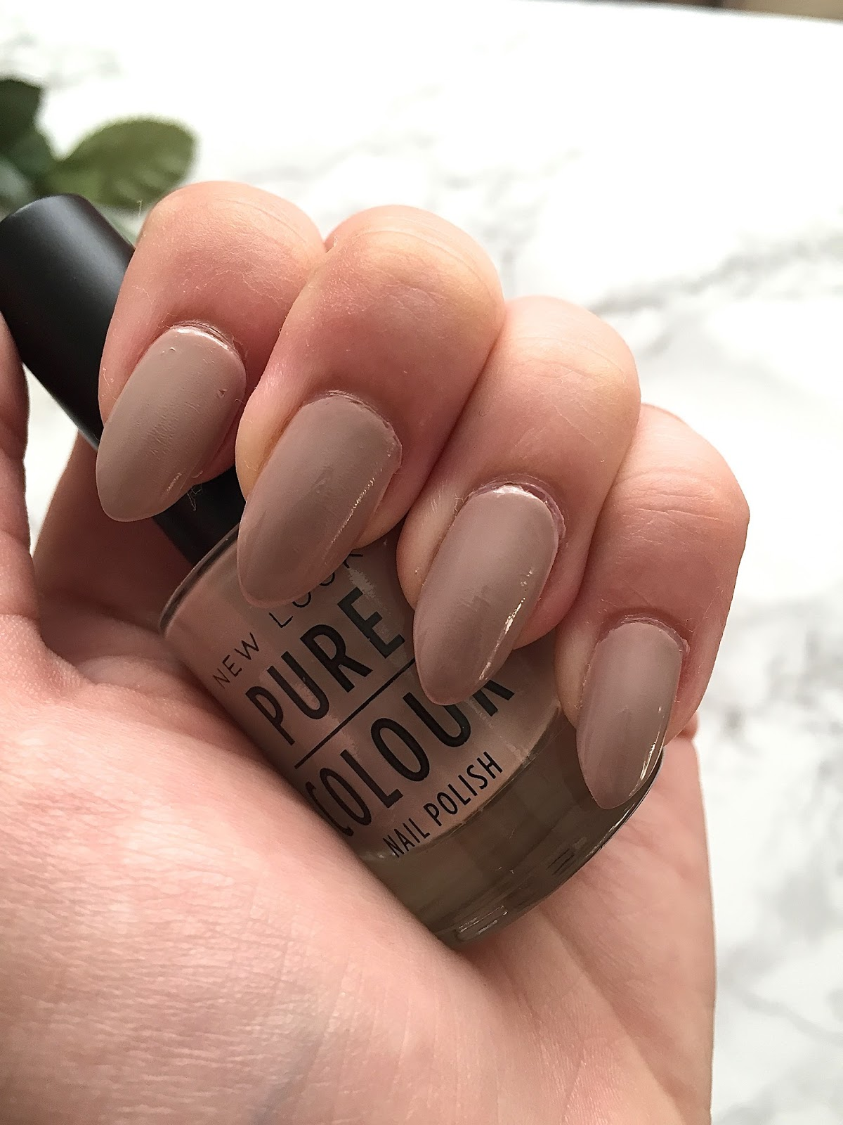 Emily fayes little world blogtober day 5 diy stiletto and im sure you have all seen how stiletto almond and coffin shaped nails have been becomingly increasingly popular recently i wanted to find a cheaper and solutioingenieria Gallery