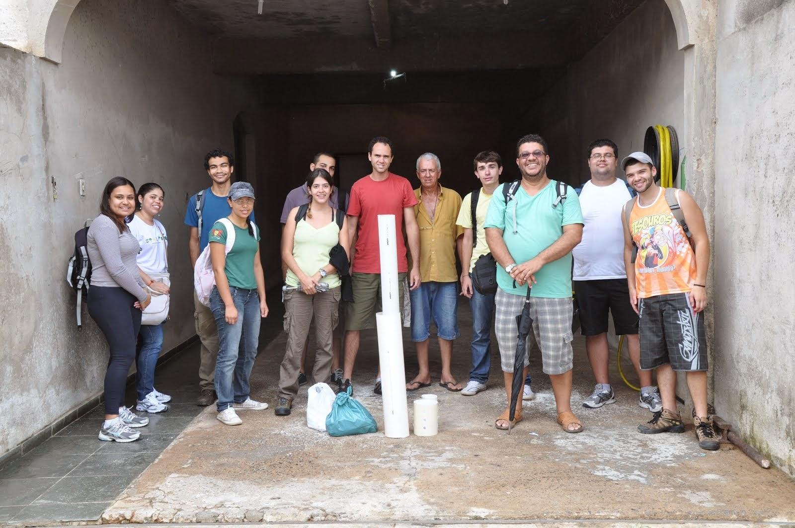 Trabalho em equipe - Produção de abrigos