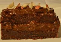 Bolo Cru de Chocolate com Avelãs (vegana)