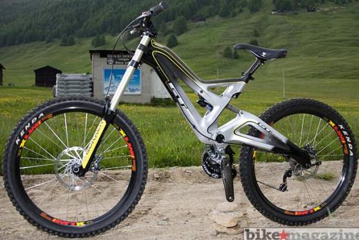 2009 gt fury mountain bike