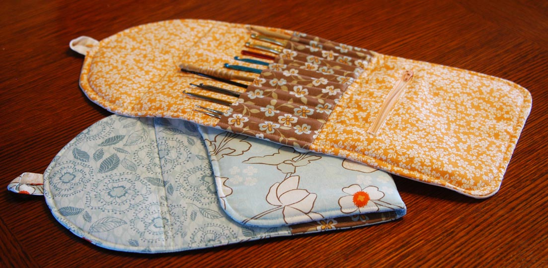 Crochet Knitting Needle Case Pattern : How to: Make a crochet hook case Life According to Missus Vonkysmeed