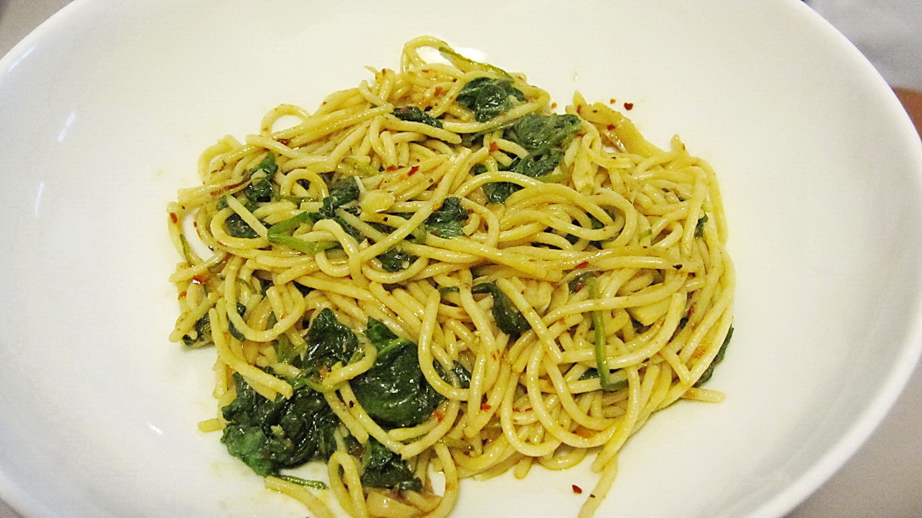 To Make a Super Easy, Delicious and Relatively Healthy Spinach Pasta ...