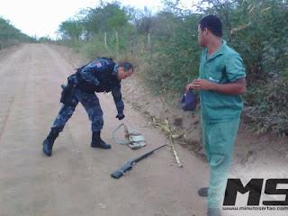 Jovem é preso depois de ser encontrado com espingardas em Olho D'água do Casado