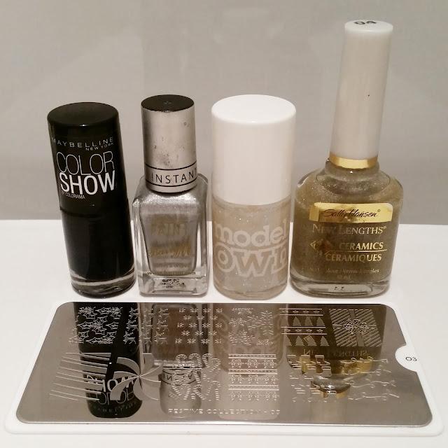 40-great-nail-art-ideas-winter-snowflake-glitter-nail-art (2)