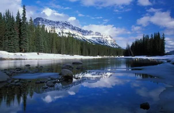 صور رائعه لجمال السماء وصفاء الماء image037-761531.jpg