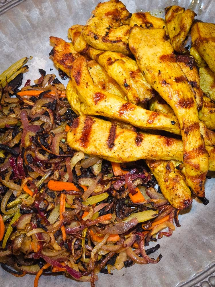 Grilled chicken shwarma with peppers onions simple awesome cooking grilled chicken shwarma with grilled vegetables forumfinder Images