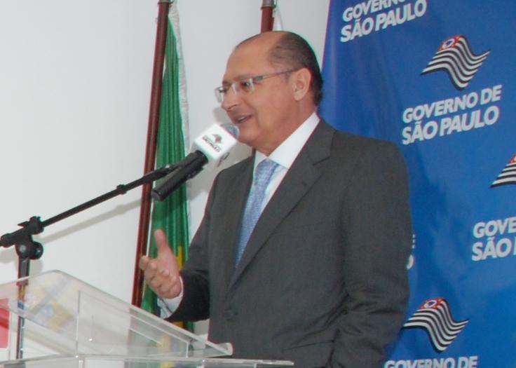Governador Geraldo Alckmin anuncia queda na mortalidade infantil em SP