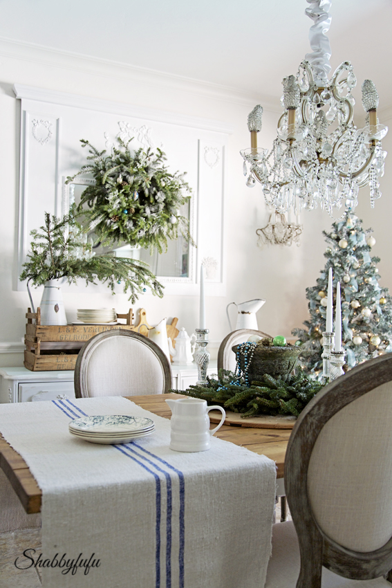 French Country Rustic Elegant Christmas Dining Room - Shabbyfufu