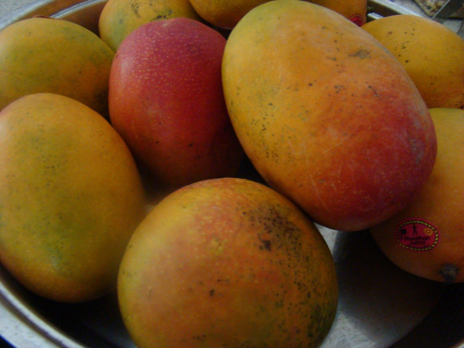 My Favorite Recipes Collection: Mango Raita.