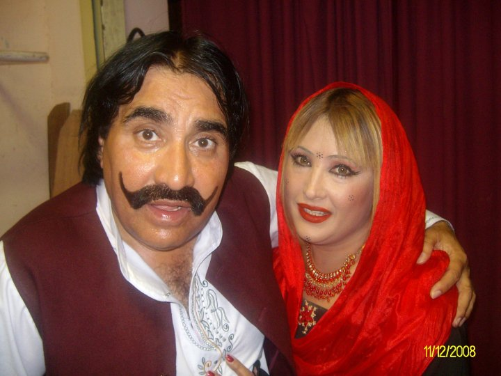 Pashto film comedy king Ismail shahid with his wife Khursheed Jehan