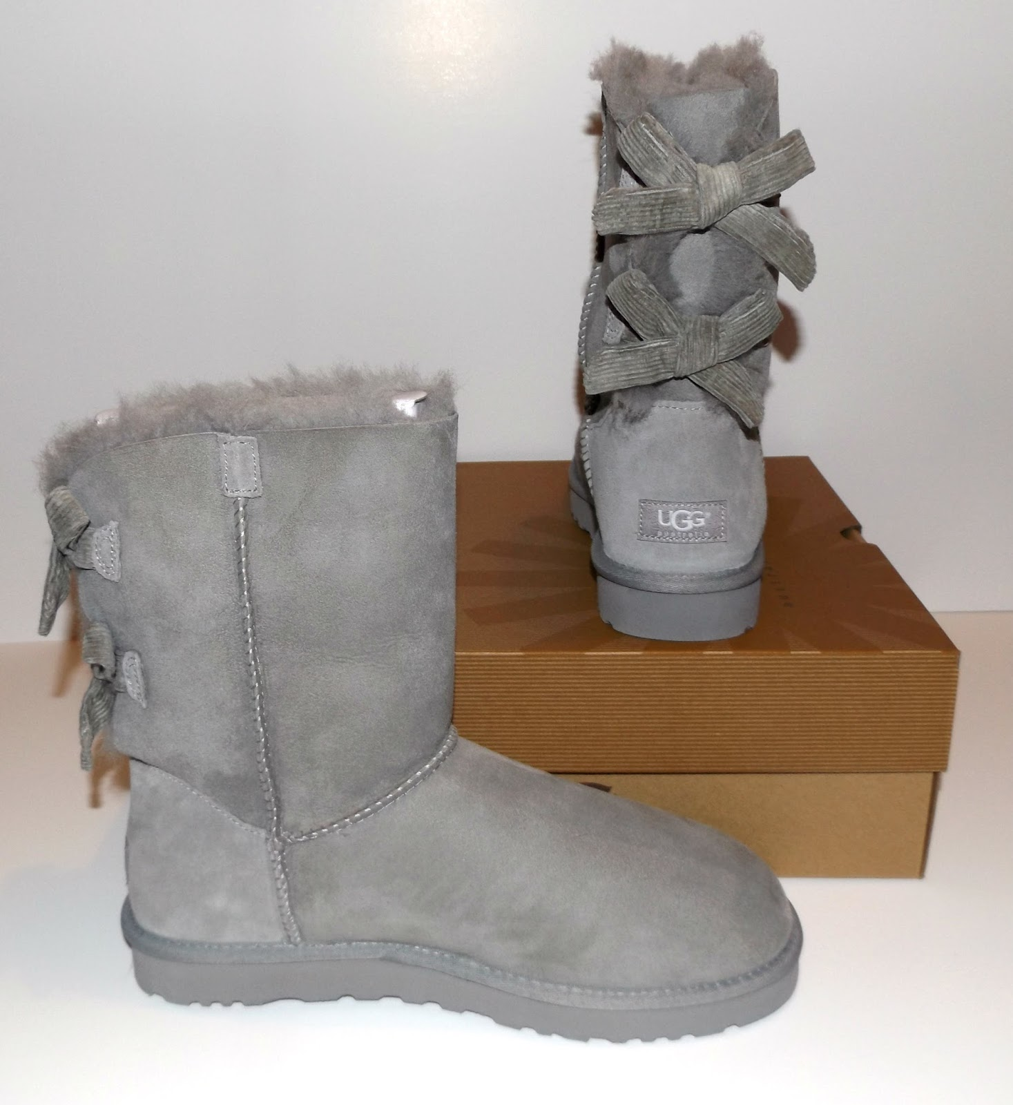 ugg bailey bow boots review queen bee becca. Black Bedroom Furniture Sets. Home Design Ideas
