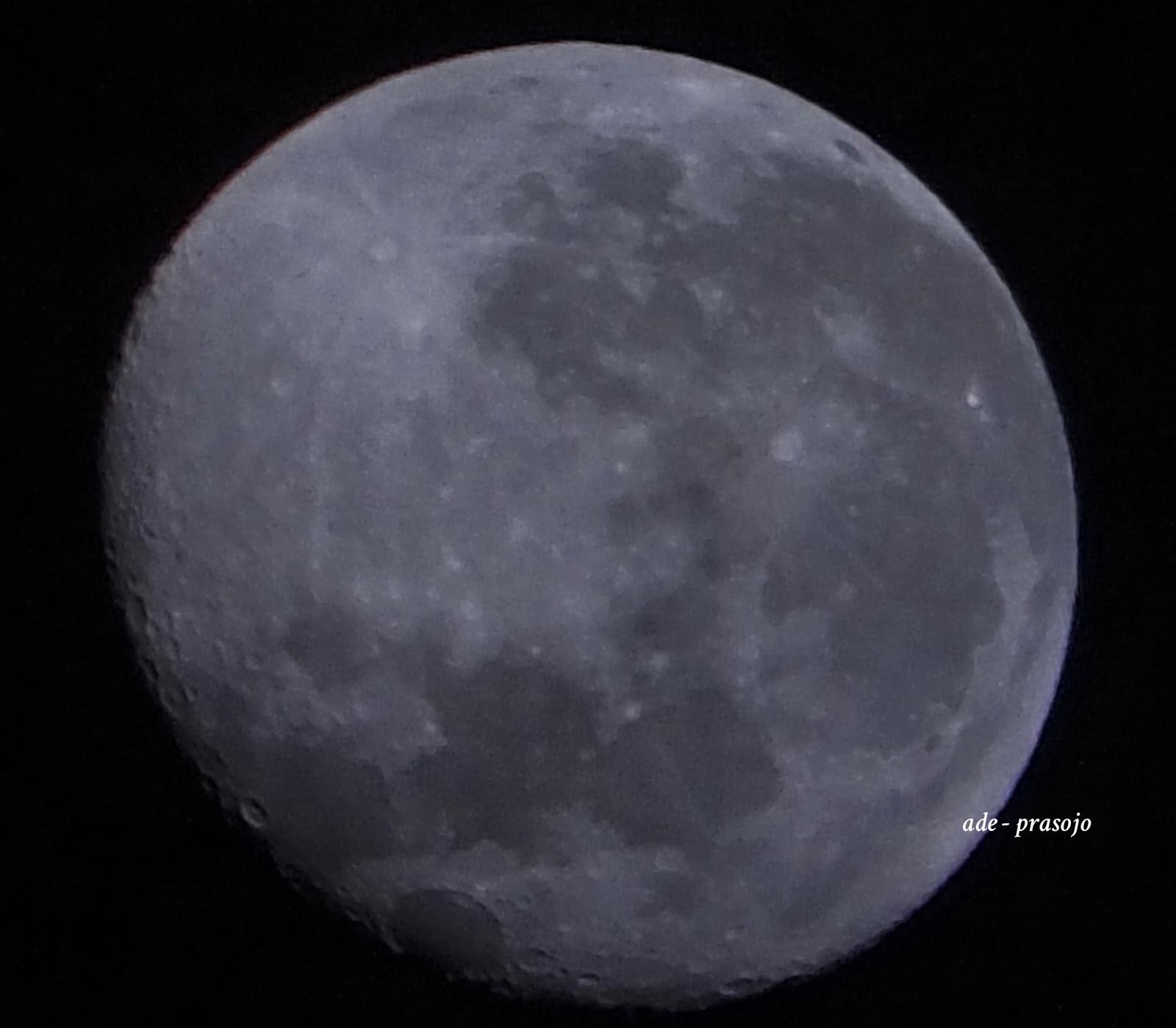 Indahnya Bulan di malam hari Full terekspos