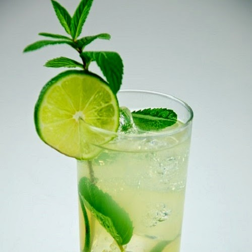 http://secretcopycatrestaurantrecipes.com/bonefish-grill-mojito-recipe/