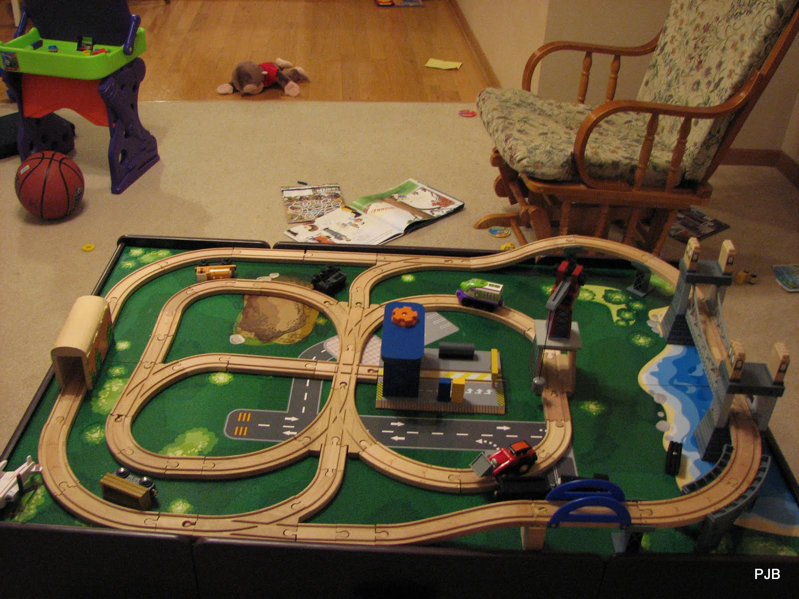 & Train Table Layouts